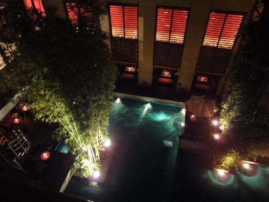With the Style Fukuoka: 夜のガーデンエリア