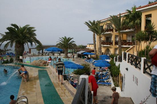 Malama Beach Holiday Village : ZONE PISCINE