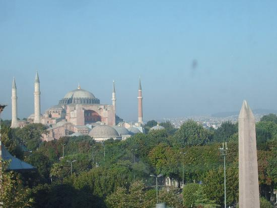 Alzer Hotel: View of Hagia Sophia from hotel