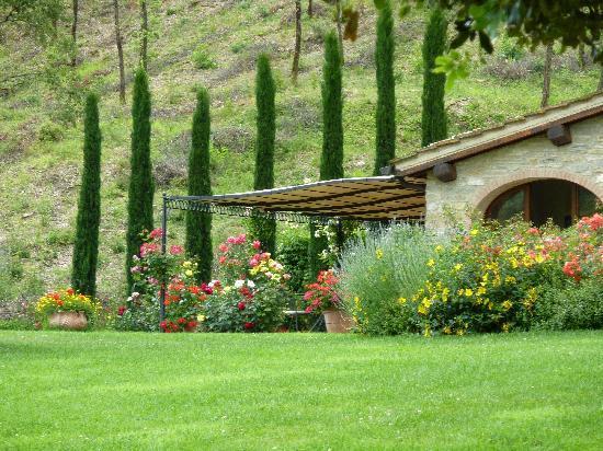 Casa Portagioia: seitlicher Blick auf die Terrasse
