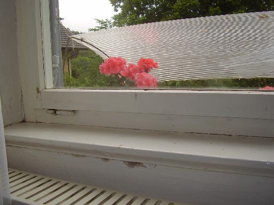 Romantic Pension Albrecht: ventana del dormitorio
