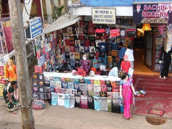 Horizon View Guesthouse: tailors across from Horizon
