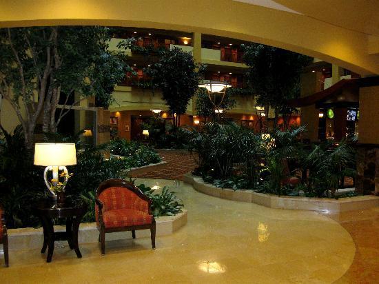 Embassy Suites by Hilton Hampton Hotel Convention Center & Spa : L'intérieur de l'hôtel Embassy suites d'Hampton en Virginie