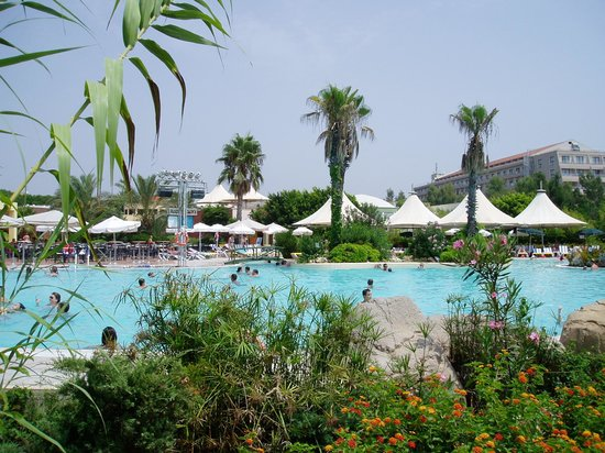 Kaya Belek Hotel: pool view