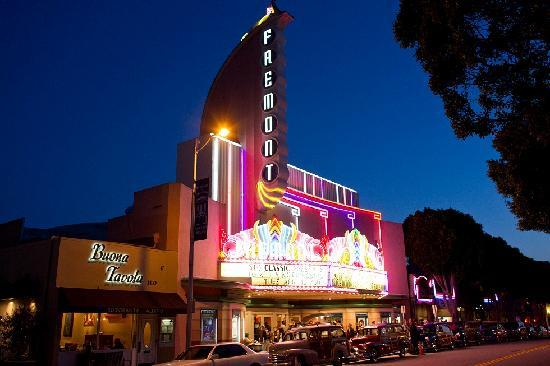 San Luis Obispo, Californien: Watch a movie at the Downtown Fremont Theatre