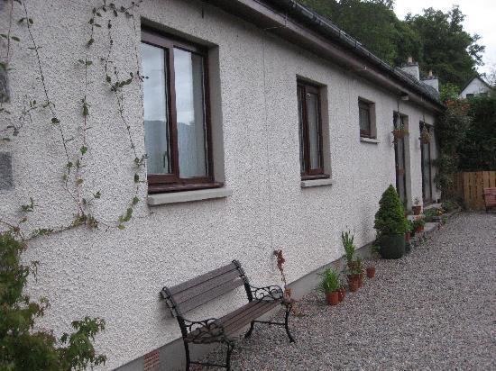 Craik Na Dav B & B: Front view of house