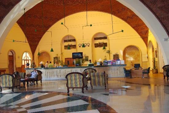 LTI Akassia Beach: La reception nwlla hall