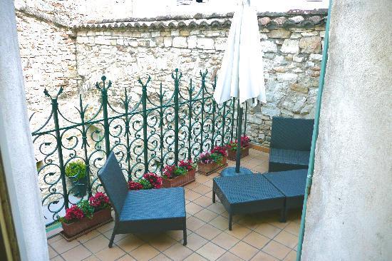Les Remparts : Private terrace
