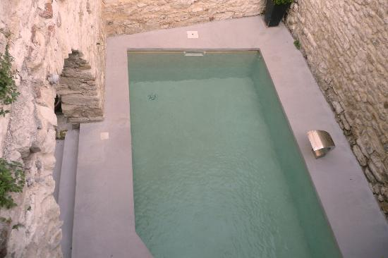 Les Remparts : Pool view from our terrace