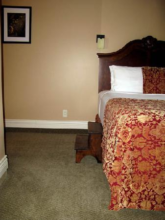 Kaslo Hotel: Step up to bed