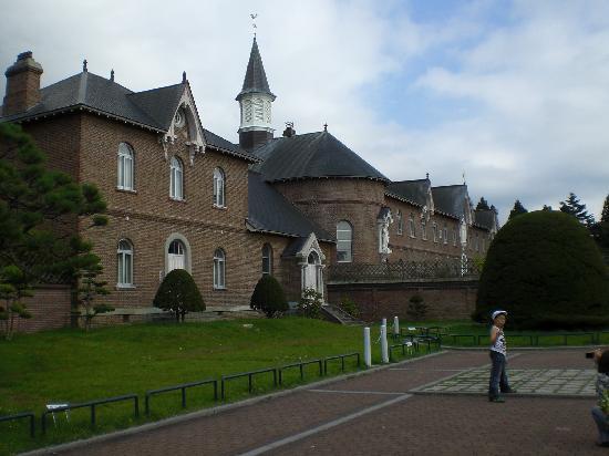 Trappistine Monasteries: 奥は修道女の部屋