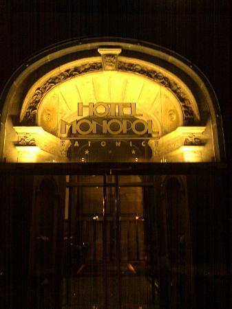 Hotel Monopol: Hotel sign at night