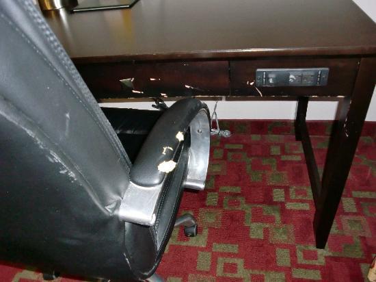 La Quinta Inn & Suites St. Augustine : Schreibtisch