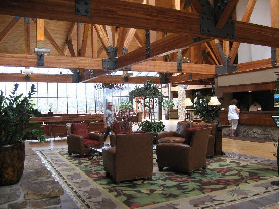 Cheyenne Mountain Resort Colorado Springs, A Dolce Resort: The lobby