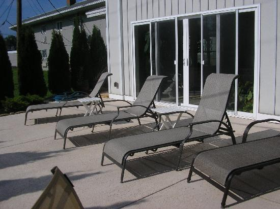 Webbs Year Round Resort: Sun deck