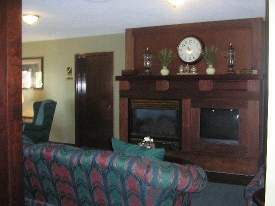 Webbs Year Round Resort: Lobby