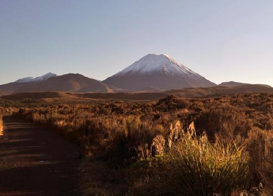 Whakapapa, New Zealand: Snow toped volcanoes in the early morning
