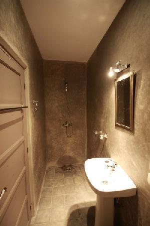 Sunset Taghazout : salle de douche