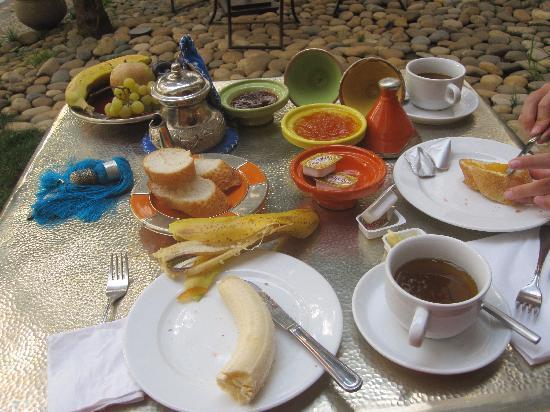 Riad Laaroussa Hotel and Spa: breakfast
