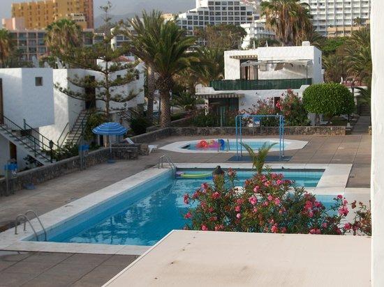 Vista piscina dal nostro appartamento camera da letto for Alberca las americas