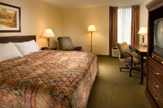Drury Inn & Suites Springfield: King Room
