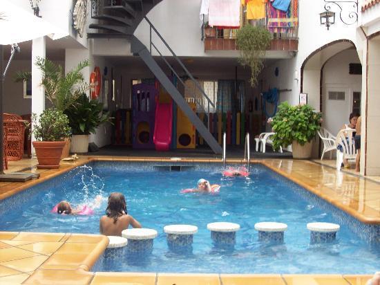 Hotel Neptuno & Apartments : Pool