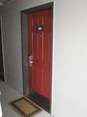The Coho Oceanfront Lodge: Front Door