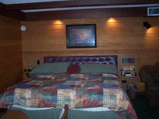 Riverhouse Motels: riverhouse motor lodge