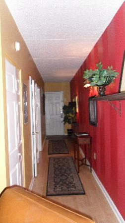 Riverview Suites: view of entrance and hallway