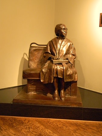 Rosa Parks Library and Museum: Rosa Parks Sculpture