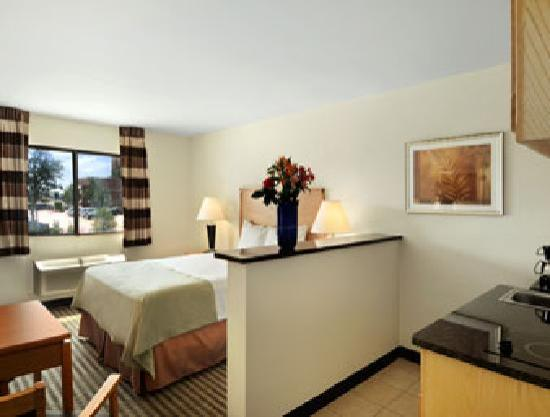 Quality Inn DFW-Airport: Queen Bed Room
