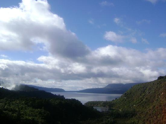 Lyons Lakestay: Lake Tarawera (just minutes from the Lakestay)