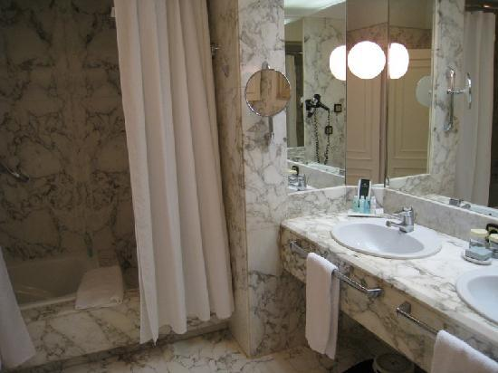 Hotel Maria Cristina, a Luxury Collection Hotel, San Sebastian: Bathroom