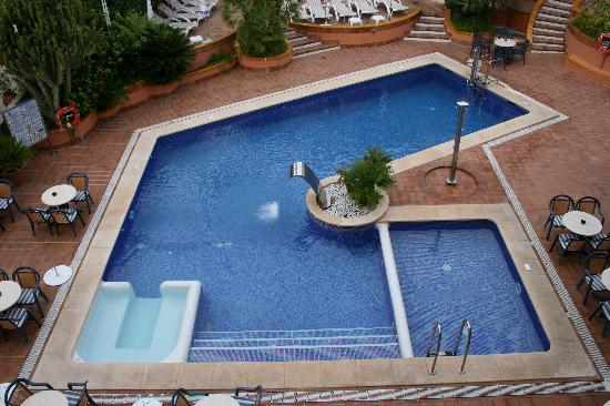 Palmira Paguera: Piscina al terzo piano