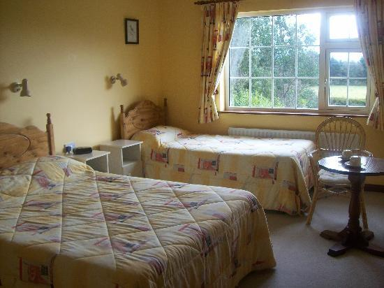 Avondale House: Cozy warm bedroom