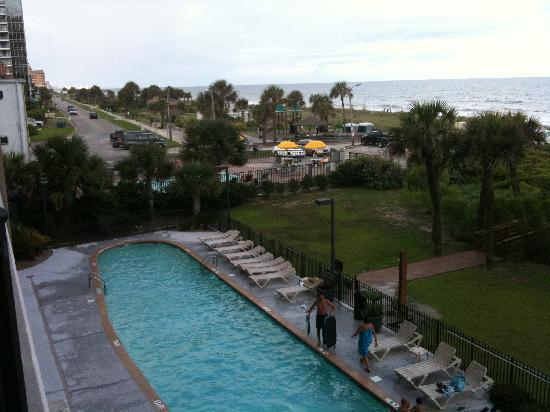South Wind On The Ocean Outdoor Pool