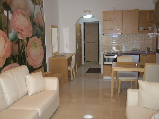 Limani Apartments: ariadni apparts