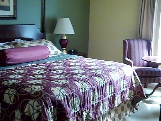 Woodstone Master Bedroom Had Flatscreen Tv Separate Sitting Area Sink Toilet Picture Of