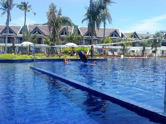 Sunwing Kamala Beach: one more pool