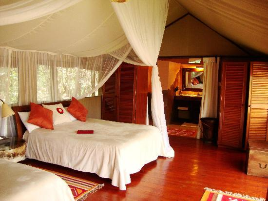 Good Sanctuary Olonana: Tent Bedroom