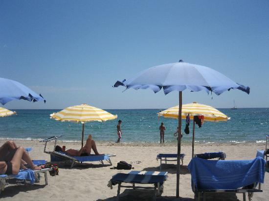 Sant'Efis Hotel: plage privee