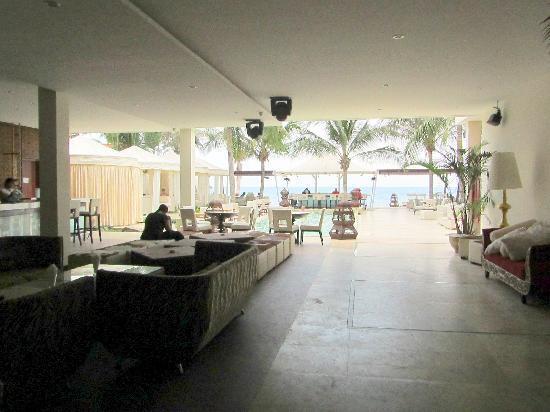 Novela Muine Resort & Spa: Sankara Bar/Restaurant a couple of doors down from Novela Muine
