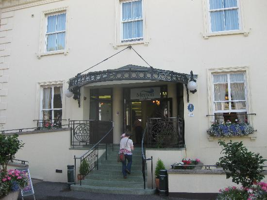 Merton Hotel: The hotel entrance