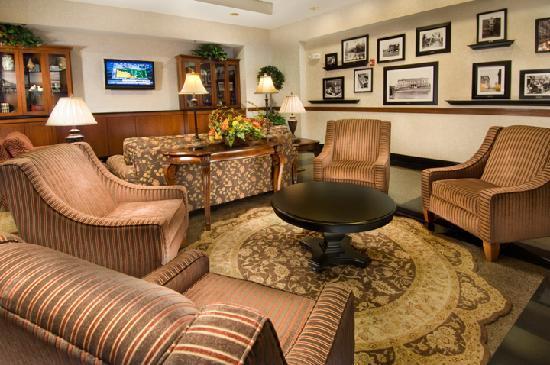 Drury Inn & Suites West Des Moines: Lobby
