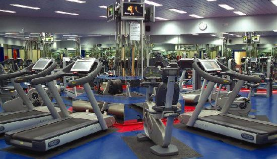 Armed Forces Officers Club & Hotel: gym