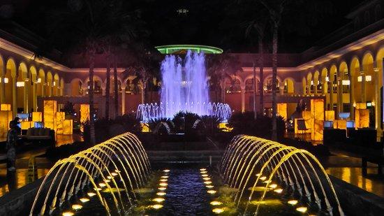 Gran Melia Palacio de Isora Resort & Spa: Sunset from nearby the pool