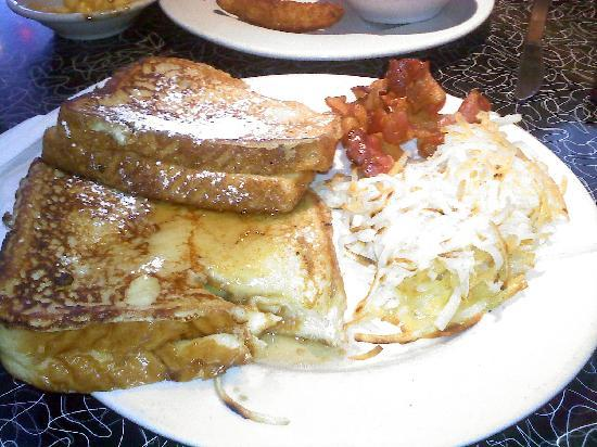 Galaxy Diner: Trailerpark Pancakes (hasbrowns and bacon)