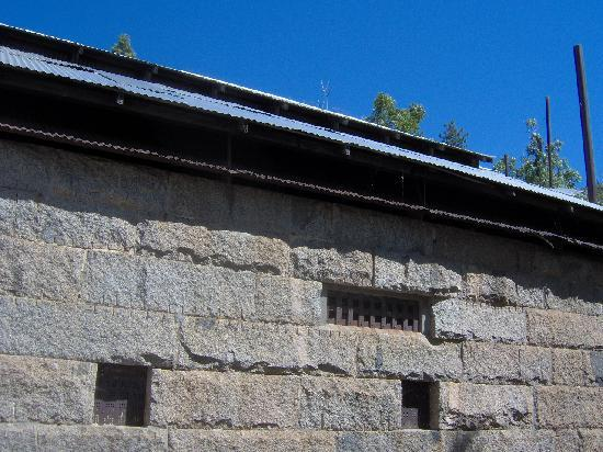 Mariposa County's Old Stone Jail: Check the metal roof. Hotter than H...