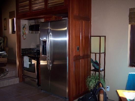 Coco Beach Resort: GE Profile SS appliances