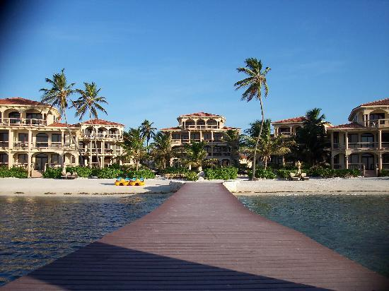Coco Beach Resort: View from dock